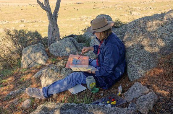 Nicola Bolton painting en plein air